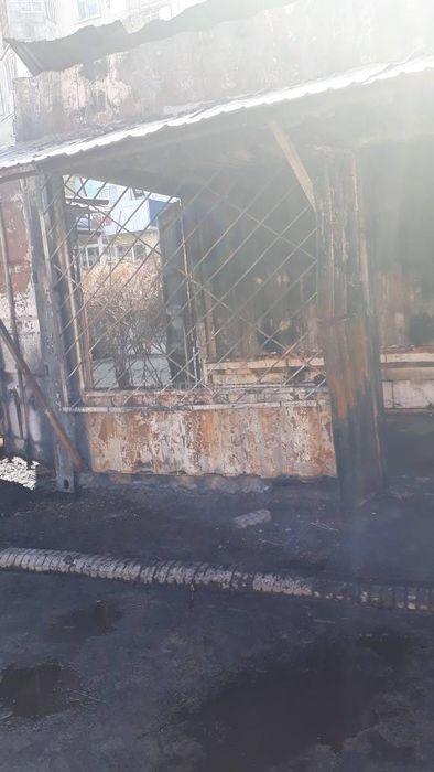 В мкр Тунгуч сгорели 2 павильона <i>(фото, видео)</i>