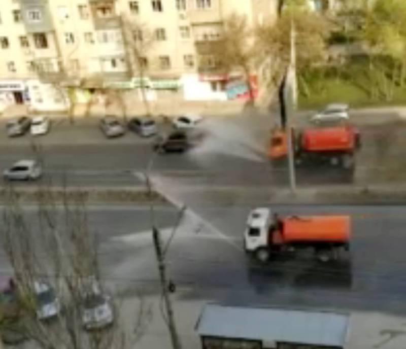Как проводится дезинфекция улиц Бишкека. Видео бишкекчанки