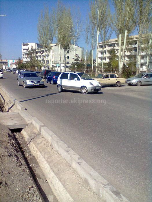 На Суеркулова-Малдыбаева нет «зебры» и не заасфальтировали дорогу (фото)