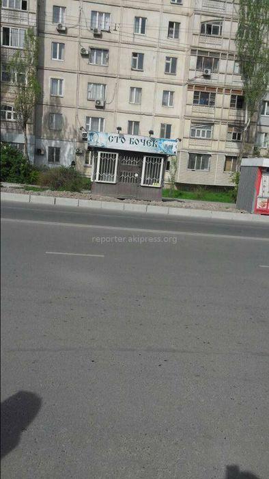 Законно ли установили павильоны в мкр Джал? - житель Бишкека (фото)