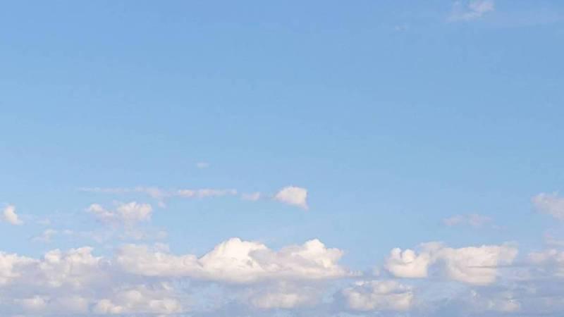 Красивый вид на озеро Иссык-Куль. Фото жительницы Чолпон-Аты