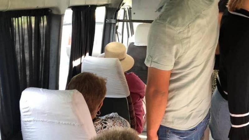 В маршрутке №118 много людей, многие без масок, - горожанин. Фото