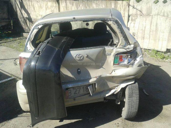 Владелец «Тойоты» просит помочь найти виновника аварии в столичном 5 мкр (фото, видео)