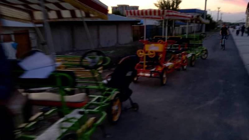В парке «Ынтымак» продолжает работать прокат велосипедов, несмотря на запрет мэрии, - горожанин