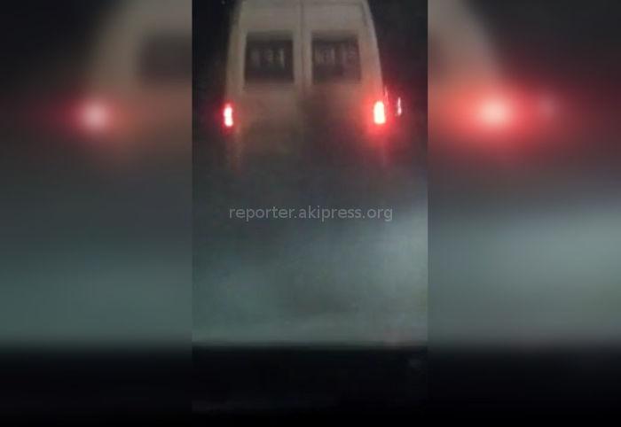 В Бишкеке маршрутка №136 сильно дымила (видео)