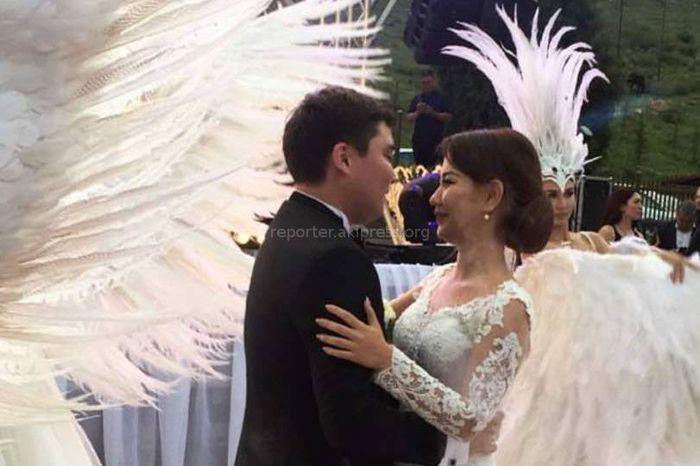 А.Салымбеков женил сына. На свадьбе пели «Оттаван» и солист группы «Ялла»