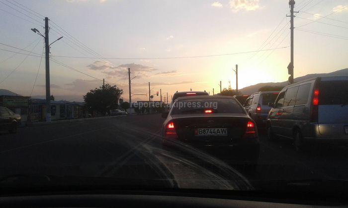 Фото, видео — Километровые пробки у Балыкчы