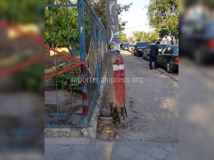 «Бишкексвет» заменит столб в аварийном состоянии возле детсада в 3 мкр в течение недели