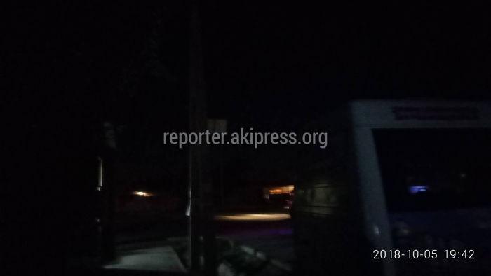 Отсутствие ночного освещения на улицах жилмассива Ала-Тоо-2 создает аварийные ситуации на дорогах