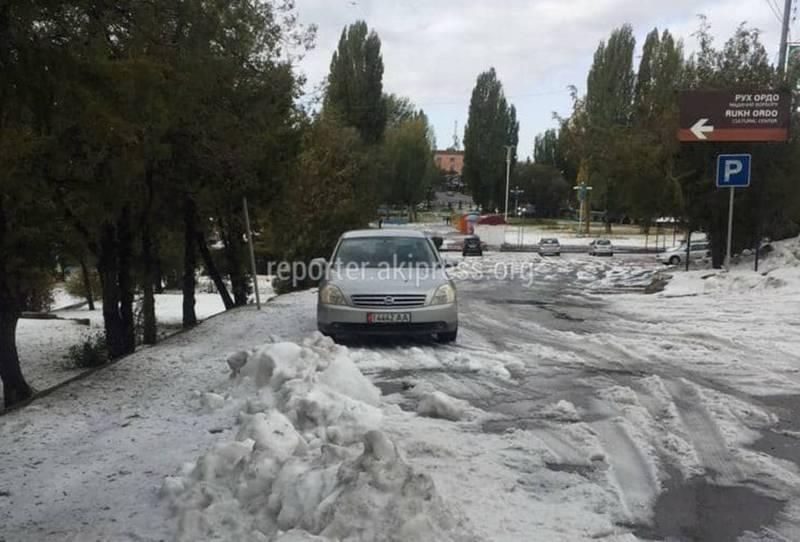 Видео, фото — Снег или град? Внезапная зима в Чолпон-Ате