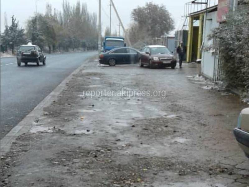 После ремонта на улице Садырбаева тротуары не привели в порядок, - горожанка (фото)
