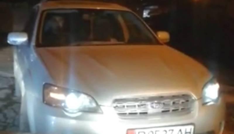 В Бишкеке на улице Чуйкова водитель «Субару» выехал на встречку и перекрыл проезд, - читатель (видео)