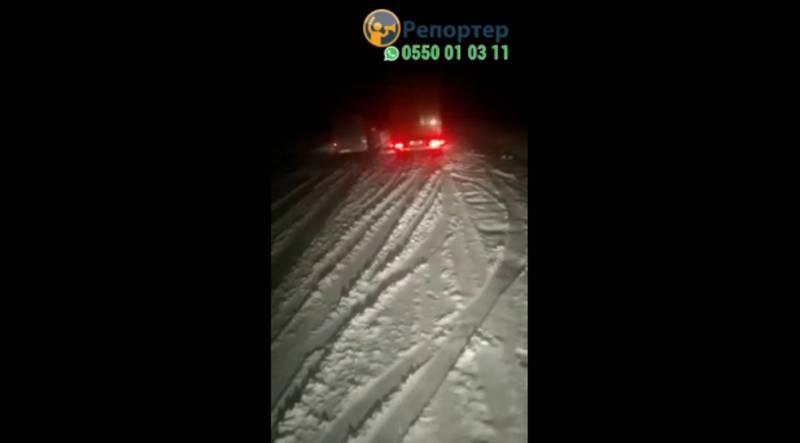 На перевале Ала-Бел выпал снег. Видео