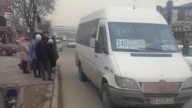 На Курманжан Датки - Мусы Джалиля маршрутки останавливаются в неположенном месте, - горожанин