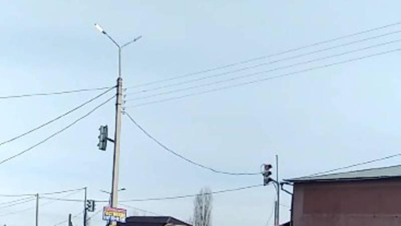 Бишкекчанин просит днем выключать наружное освещение на ул.Чортекова