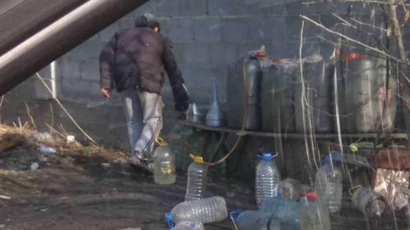 Незаконная торговля ГСМ в Жайылском районе. Фото