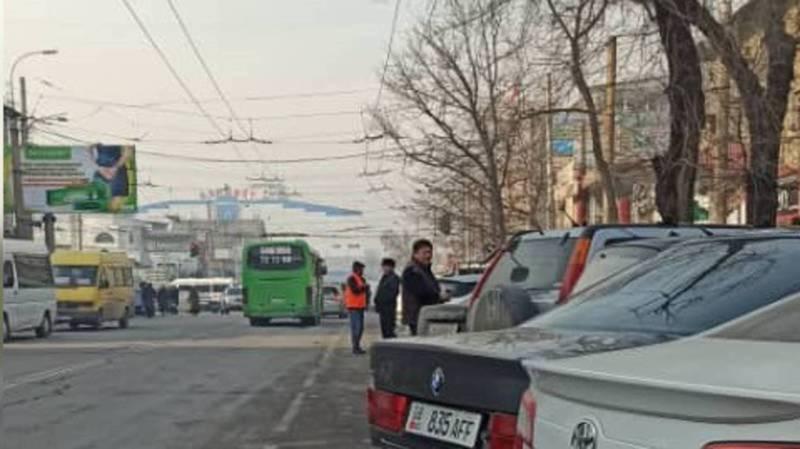 Парковка на ул.Киевской с 13 января стала платной, - мэрия