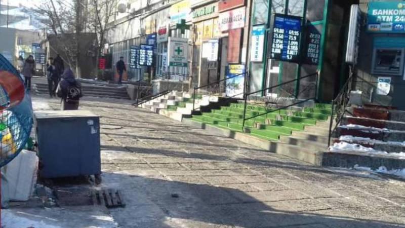 С торговцами на Абдрахманова-Московской проведены разъяснительные работы и убраны 7 торговых точек. Фото