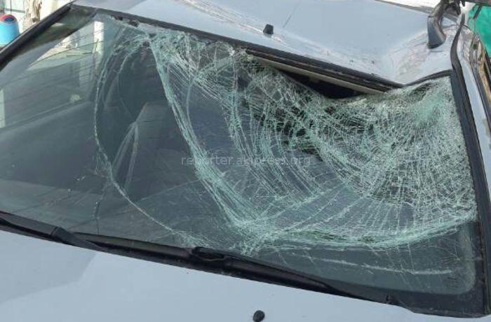 В ущелье Чычкан на автомашину упал камень из лавины, водитель в больнице <i>(фото)</i>