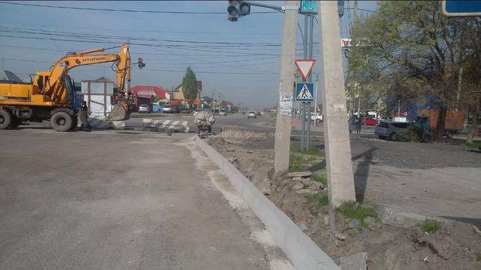 Житель столицы просит расширить дорогу на участке ул.Ахунбаева (фото)