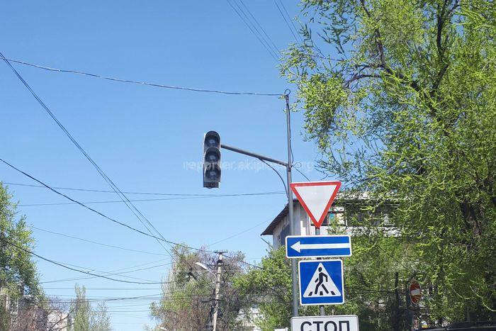 Светофор на Исанова-Боконбаева начнет работу в мае, - мэрия