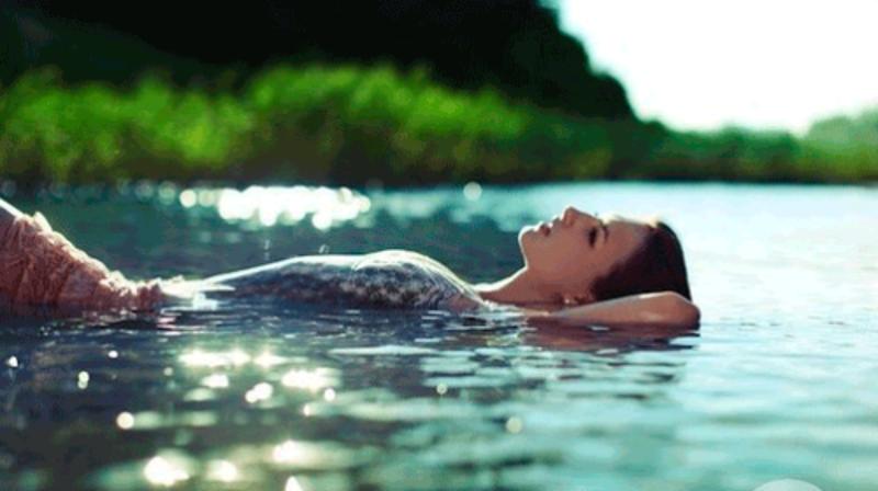 plavat-v-vode-tolkovanie-sonnik