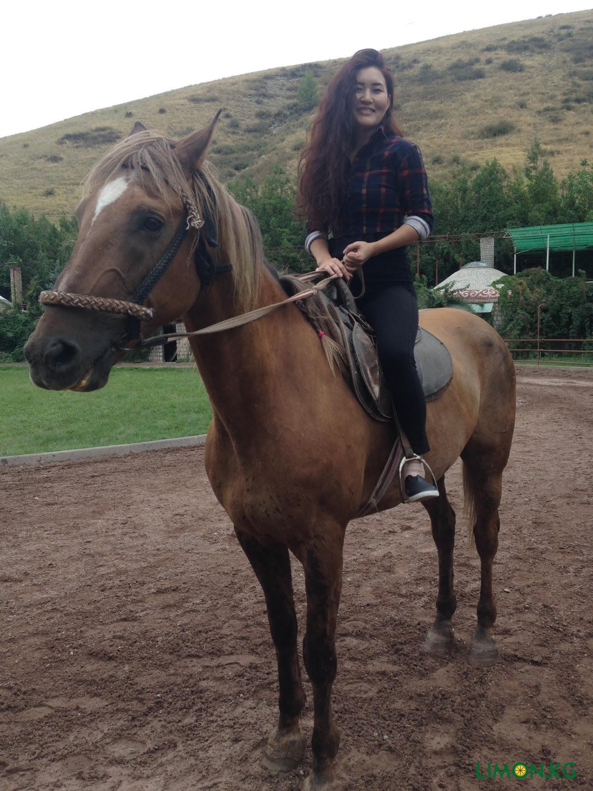 My hobby ride a horse