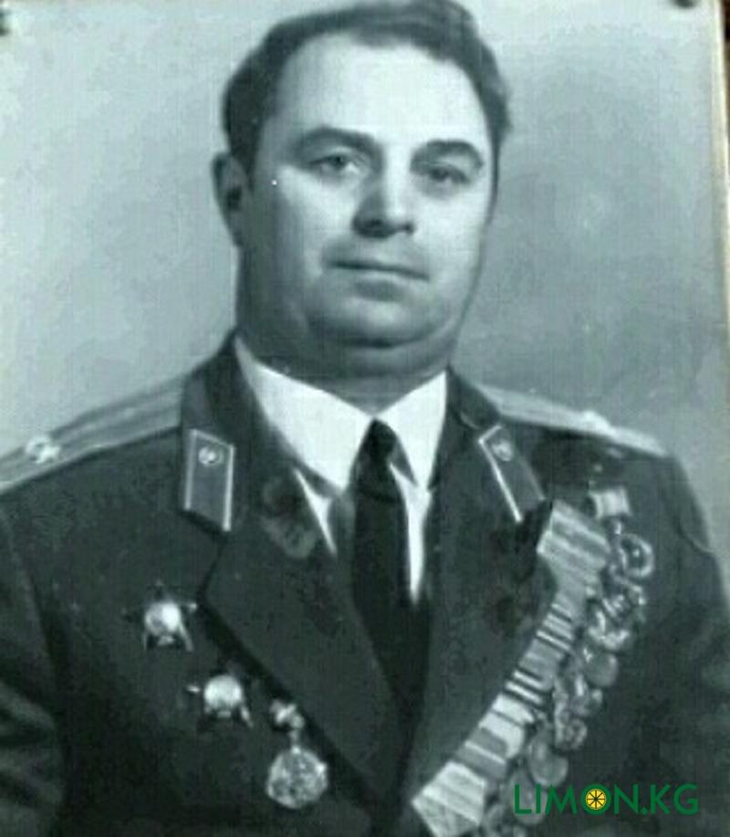 Дедушка Юлии