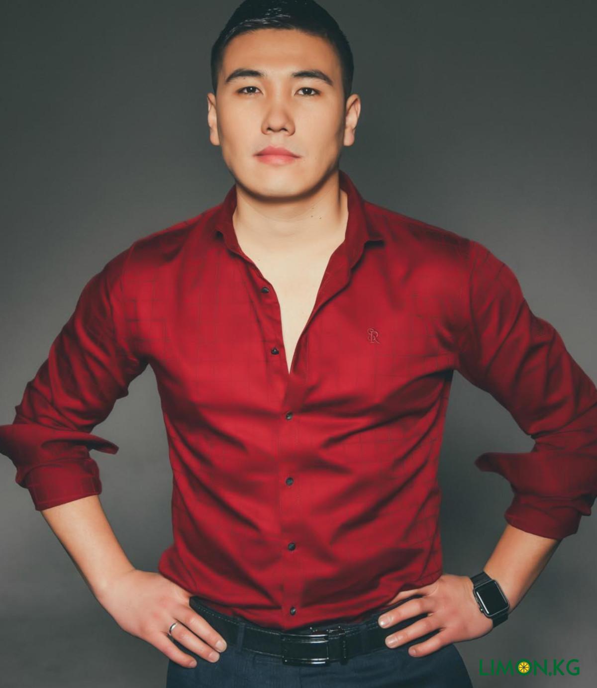 его помощью фотография кыргызстанский звезды турникеты триподы лучшей
