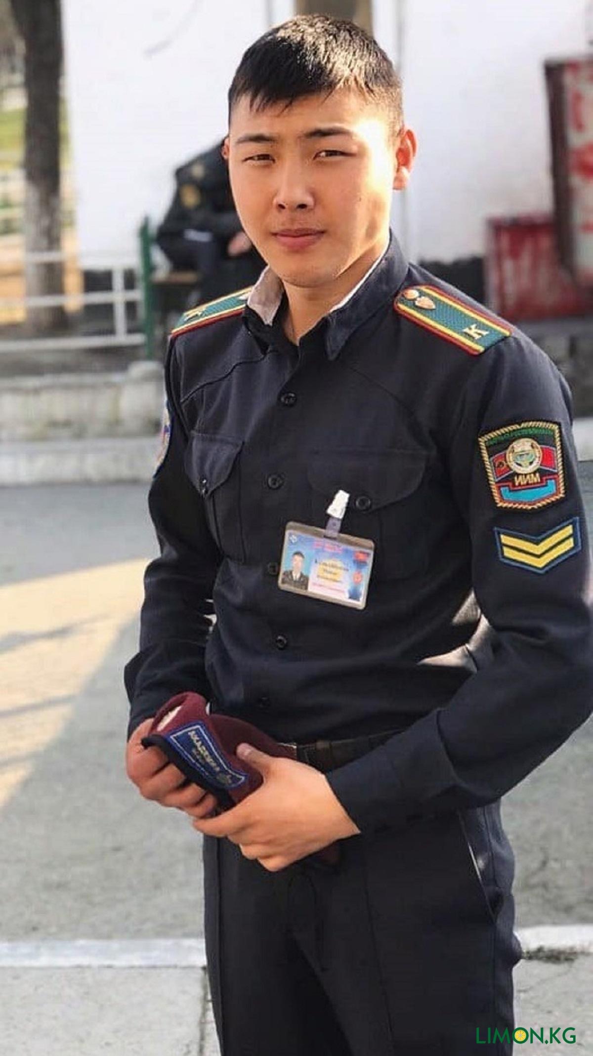 Манас Келдибеков рядовой милиции1