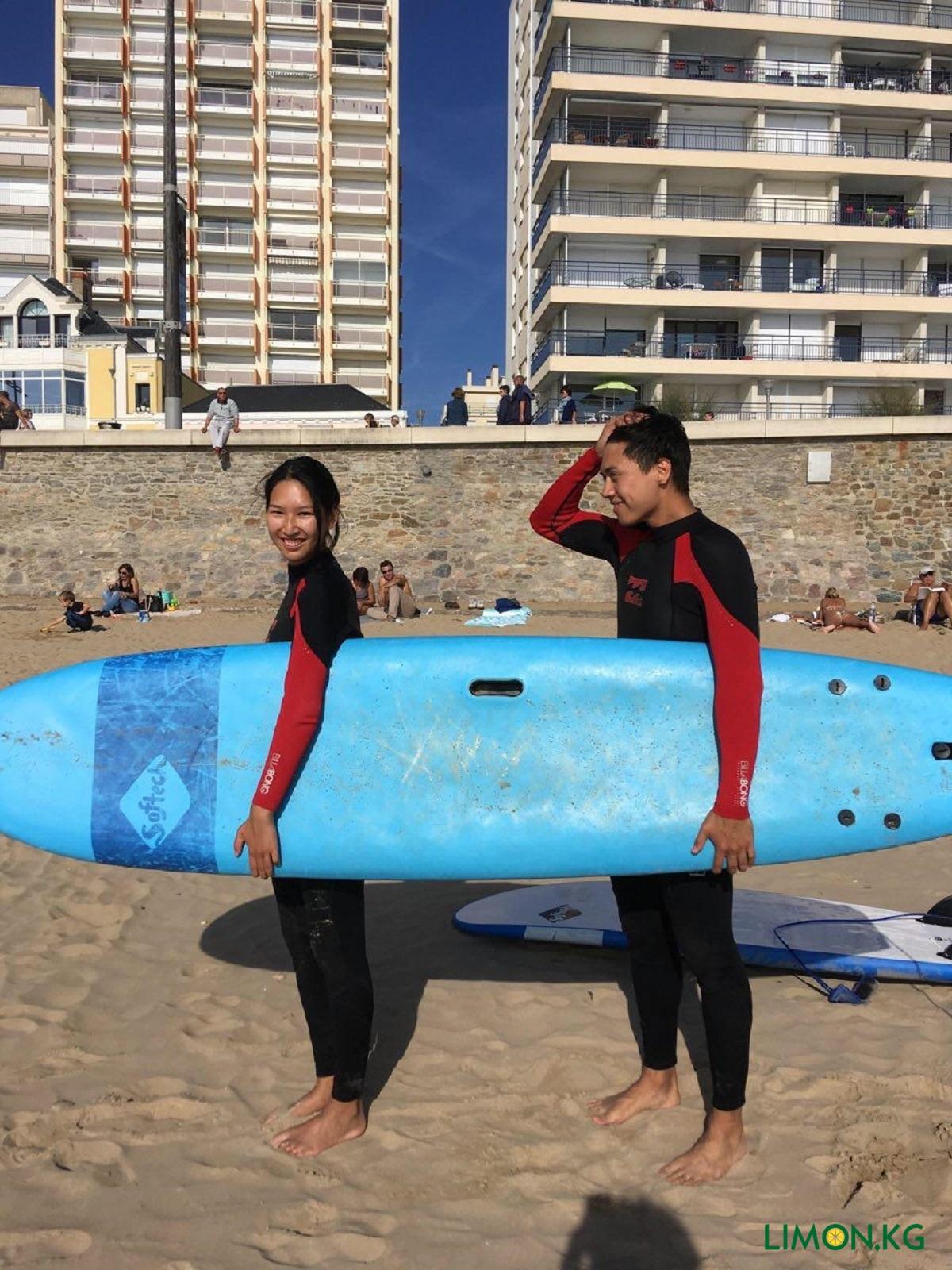 atlanticheskii okean, surfing s jenoi