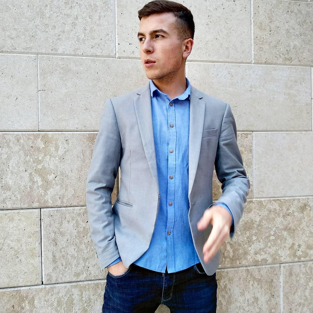 Руслан Харизов