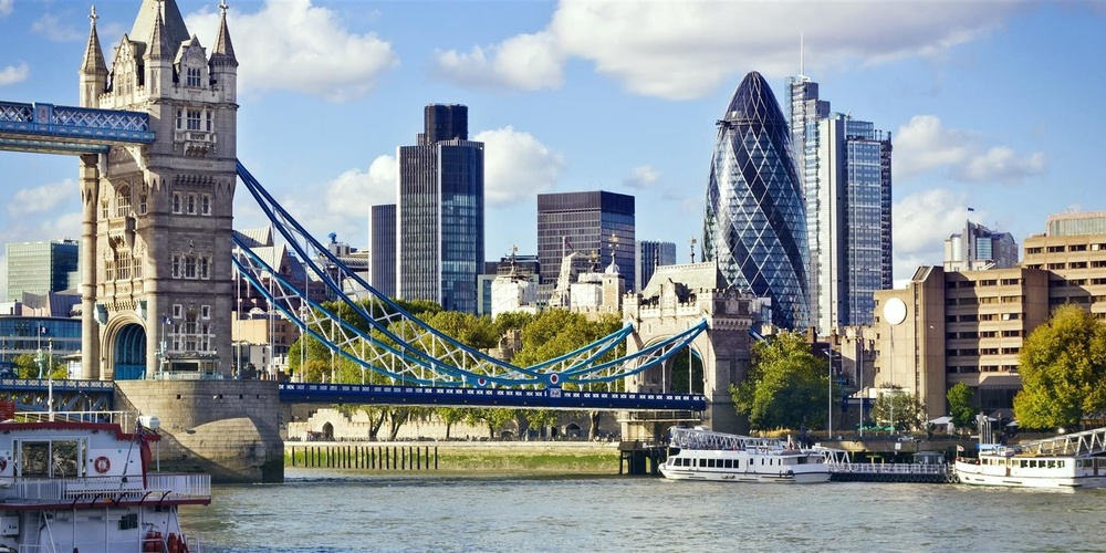 Benefits-of-Business-IT-support-for-small-companies-in-london-1598x799