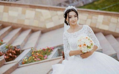С.Жээнбековдун кызы (2)