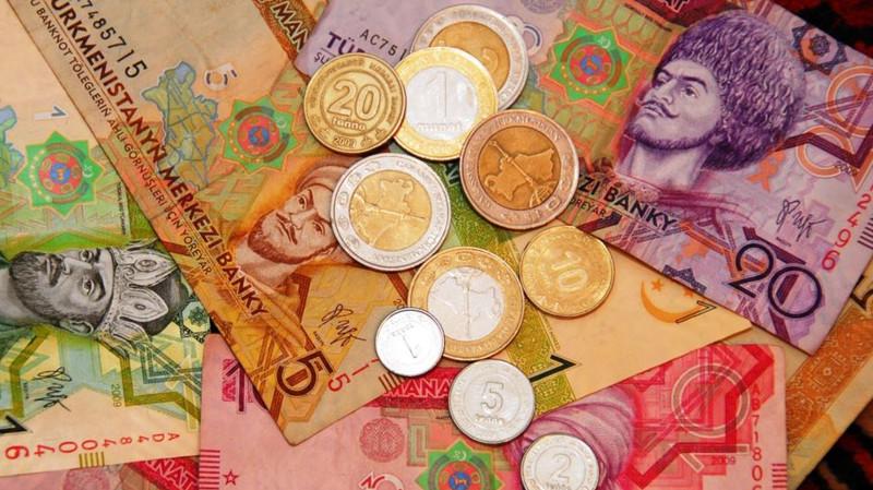 Курс доллара на «черном рынке» в Туркменистане бьет рекорды. Официальный остается неизменным