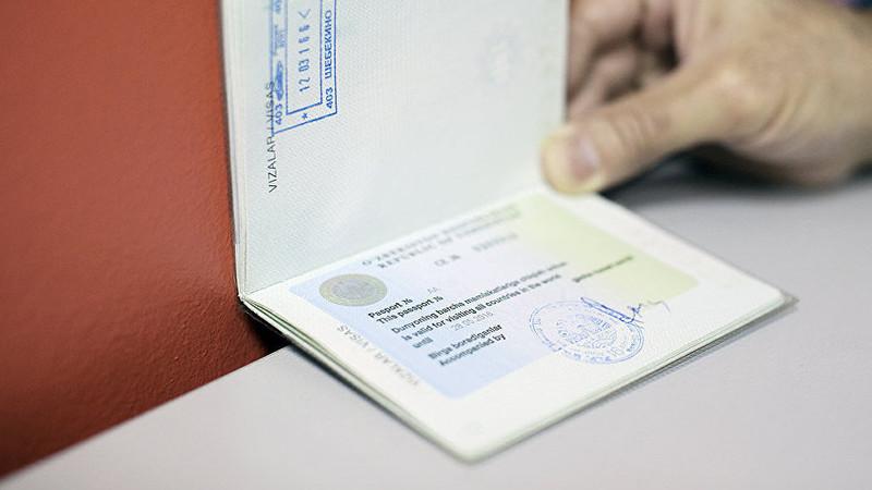 В Узбекистане с 1 января отменяются «выездные визы»