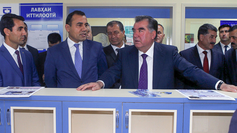 Таджикистан: инвестор-призрак обещает спасти банковский сектор
