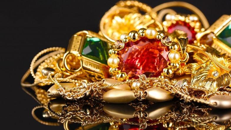 В мае Минфин проверит 22 субъекта в сфере продажи ювелирных изделий, в том  числе отделы в ... 9b5a2e43737