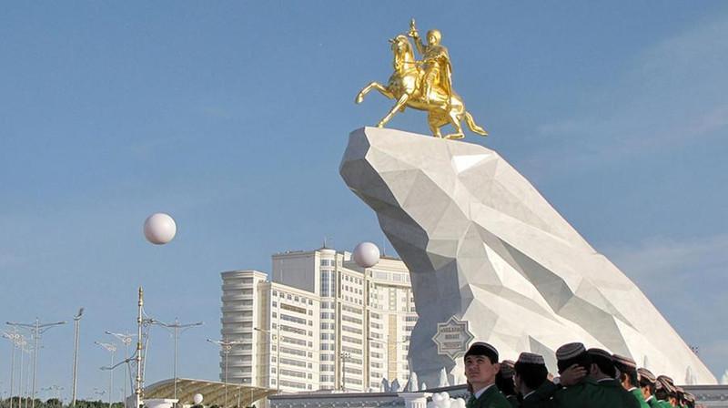 The Economist нашел $23 млрд, поступившие из Туркменистана на счета в немецких банках