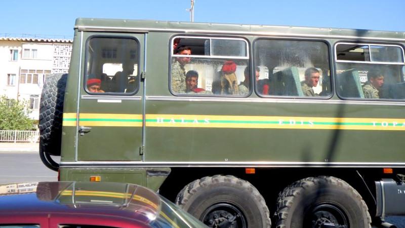 В Туркменистане к сбору хлопка привлечены солдаты срочной службы