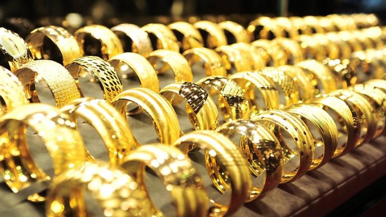 В Кыргызстане не развит рынок драгоценных металлов, в связи с чем население  вкладывается в инвалюту, недвижимое или движимое имущество, - Минфин —  Tazabek 08c9f3a6254