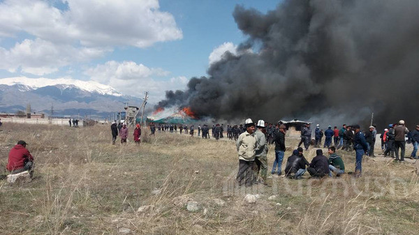 Депутат о поджоге завода в Тогуз-Торо: Кто ответит за это?
