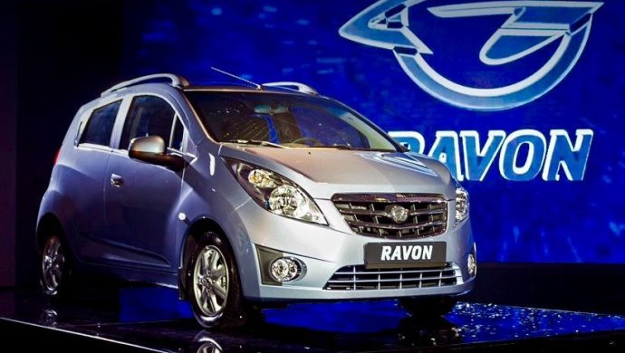 Узбекистан увеличит цены на свои авто на рынке Казахстана