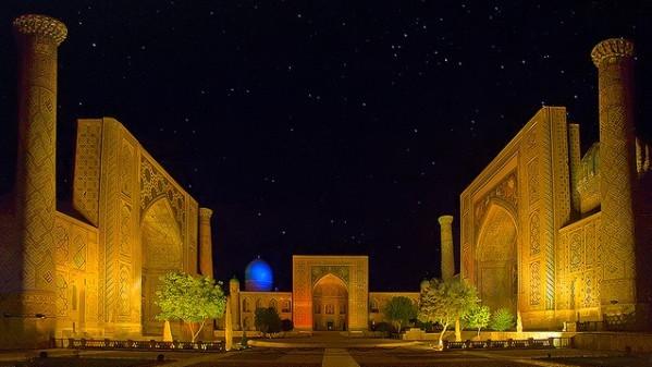 В Узбекистане для туристов создадут зоны, где увеселительные заведения смогут работать всю ночь