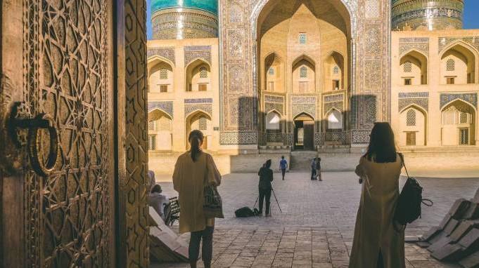 За три месяца Узбекистан посетило около полутора миллионов туристов
