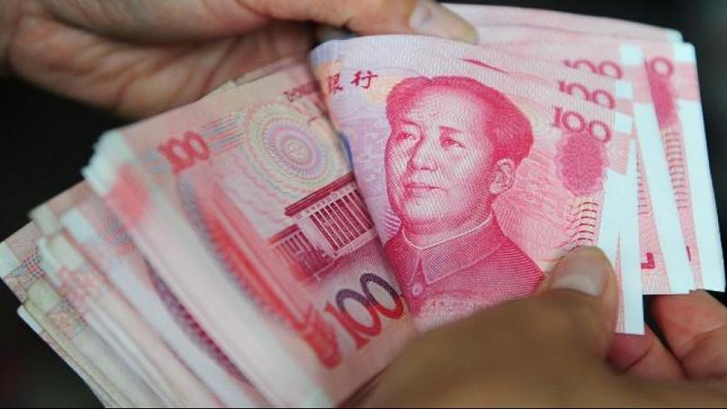 ЦБ Китая установил курс юаня на максимуме с 2015 года, но валюта ослабла