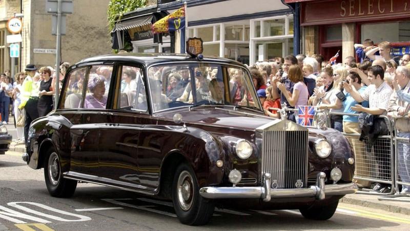 Rolls-Royce Елизаветы II выставили на аукционе за $2,6 млн