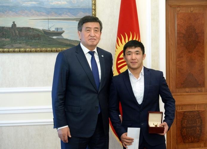 Сооронбай Жээнбеков и Жоламан Шаршенбеков4
